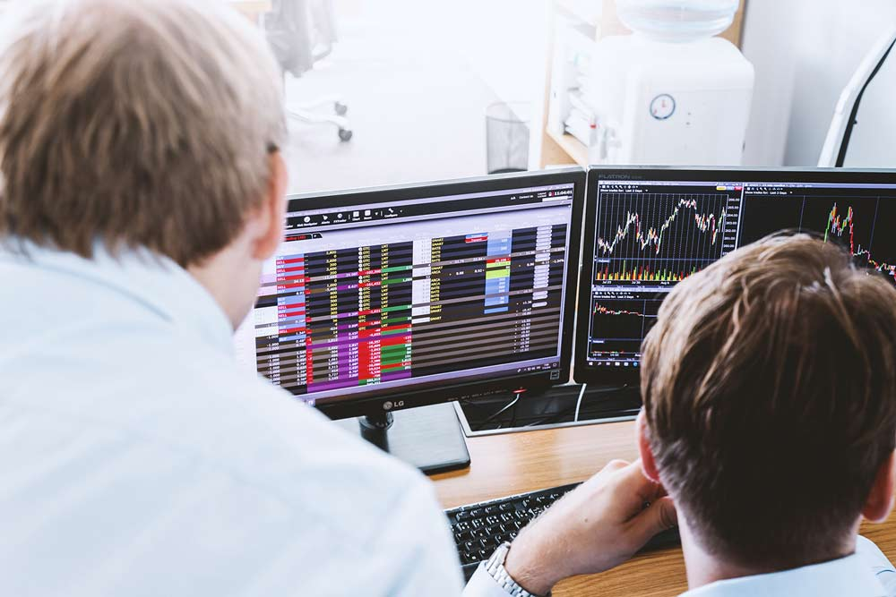people practicing online Forex trading